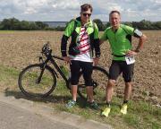 Gemeinsam mit meinem Sohn Max als Radbegleiter beim Müritzlauf unterwegs, hier bei km 58