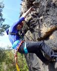 Almuth ohne Skrupel, unterwegs im Nonnenfelsen Klettersteig im Zittauer Gebirge