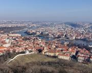 Blick auf die Prager Altstadt vom Aussichtsturm Petřín