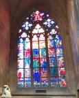 Einfach nur schön – eines der bemalten Fenster im St.-Veits-Dom