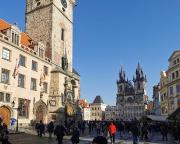 Am Altstädter Rathaus mit seiner berühmten Prager Rathausuhr