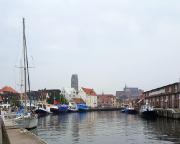 Kurztripp nach Wismar - Blick auf den Alten Hafen und die Kulisse der Stadt.
