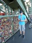 Tausende Schlösser zieren die Liebesbrücke in Köln