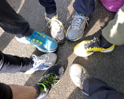 Krass fit bei den XletiX - Die Schuhe vor dem Start - weiter unten das gleiche Bild nochmal, aber ...