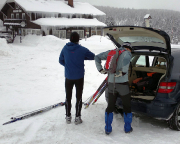 Nach 2 1/2 Stunden Fahrt Vorbereitung für die Tour an der Semdava-Baude