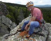 Beim Sichern auf dem Gipfel des Breithorns
