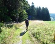Dieser Tag beginnt mir glühender Hitze - auf dem Weg nach Limbach