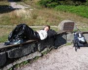 Nur 2 km vor dem Tagessziel ist Christiane am Ende ihrer Kräfte ...