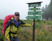 Die ersten Kilometer waren wir im Regen unterwegs, hier am Kramerod, einer der harten Stellen des Rennsteiglaufes