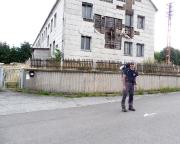 Wir verlassen Spechtsbrunn, vorbei an der ehemaligen Kaserne der Grenztruppen der DDR