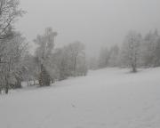 Nebel, Raureif und Schnee kennzeichnen den Tagesstart Richtung Maxov