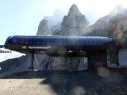 Weg zur Nordwand – Liftanlagen und im Hintergrund der Rotstock