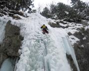 Dann aber läuft es plötzlich, ich ziehe durch und den Eisfall hinauf