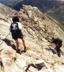 Abstieg über Platten, die Ifinger-Gipfel sind sehr gut gesichert