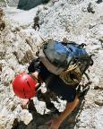 Dieses Bild lässt erahnen, wie geröllig es im Gipfelbereich ist - Abstieg 09/2004