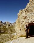 Ausgang der Kriegsstollen und Ende des Klettersteiges am Paternsattel
