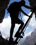 Schattenspiele im Dolomitenfreunde-Klettersteig in den Sextener Dolomiten