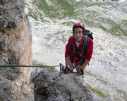 Auf den ersten Metern des Dolomitenfreunde-Klettersteiges.