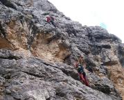 Via delle Guide - die Schlüsselstelle, Überhang am Ende der ersten Seillänge