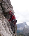 Torre Grande - Thomas beginnt die erste und schwerste Seillänge
