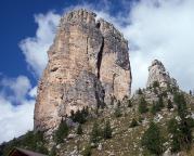 Torre Grande – Blick auf den Südgipfel bei Annäherung von der Cinque-Torri-Hütte