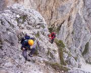Abstieg vom Gipfel, wir sind abgeseilt, zur Abseilöse über der Scharte