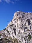 Der Hexenstein mit seiner scharfen Südkante, aufgenommen vom Falzaregopass