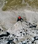 Steffen direkt auf dem luftigen Nordnordwestgrat am Paternkofel