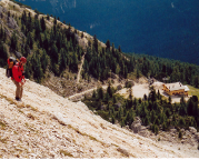 Abstieg vom Punta Col de Varda zurück zur Seilbahnstation