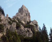Aus Sicht Zwerglrutschbahn am Roßstein - na wenn das mal keine Nadel ist