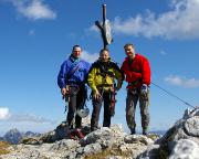 Am Ziel einer traumhaft schönen Bergfahrt – am Gipfelkreuz