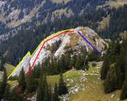 Gelb: die richtige Route, rot: unsere Route, blau: der Abstieg