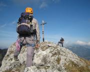 Finale der Besteigung am Südgrat - Gipfelkreuz Taubenstein