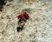 Torre Barancio - Nordwand Dibona - Thomas steigt die erste Seillänge vor