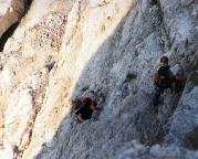 Im Ausstieg aus dem Schuttkar in die Wand geht es recht steil aufwärts
