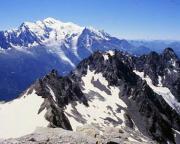 Aiguille du Belvédère - Blick zurück auf den Südgrat, im Hintergrund der Mont Blanc