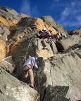Morgens vereist in Steigeisen hinauf, jetzt problemlos den Felssporn hinab