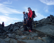 Nach Streitereien mit drängelnden Bergführern waren wir endlich auf dem Sporn