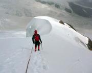 Jungfrau – unterwegs im Schnee beim Abstieg vom Gipfel