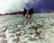 Im Aufstieg zum Gipfel Lodner durch den Firn der Nordflanke