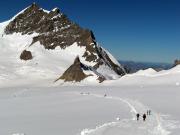 Beim Zustieg auf dem gut präparierten Weg zur Mönchsjochhütte