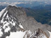 Blick vom Mönch in die Südwand des Eiger mit Mittellegigrat
