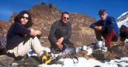 Mont Blanc -  Höhenrast bei Tee und Schnee