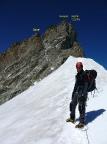 Blick zurück auf den Gipfel beim Abstieg über den Firngrat