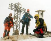 Gipfelfoto am Punta Penia im inzwischen eingesetzten heftigen Schneetreiben