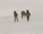 Abstieg im Schneesturm von der Hütte zur Kaiser- Franz-Josefs-Höhe