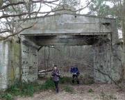 Lost Place Geocache Uranmaschine, Durchgang in einen besonderen Bereich