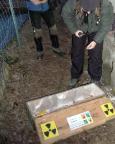 Lost Place Geocache Uranmaschine, die finale Box mit Radioaktivitätszeichen