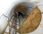 Lost Place Geocache Bewegung Soldat - Aufstieg in einen der Wachtürme des Objekts