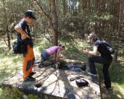 Lost Place Geocache Bewegung Soldat - chemischer Kampfeinsatz im Kampfstofflager - Untergrund